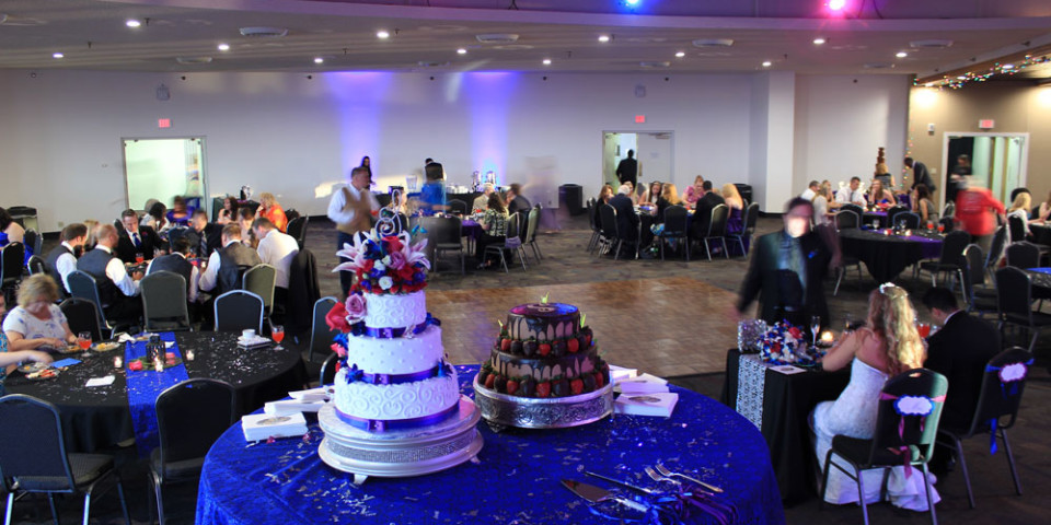 Wedding-Cakes-and-Floor